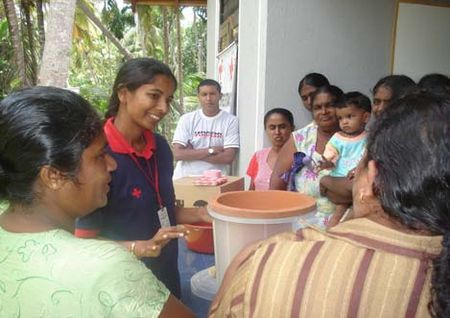 Clay water filter red cross img 9.jpg